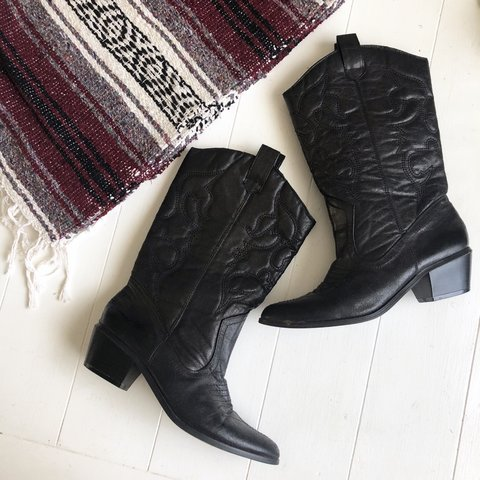 5feabea8885 Black cowgirl boots in great condition. Size 6.5 ✨FREE ON - Depop
