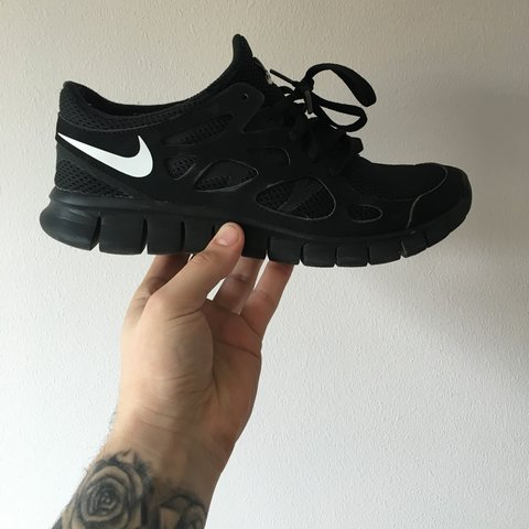 f92b735024be ... lovely pair of nike free run 2 black with white tick depop