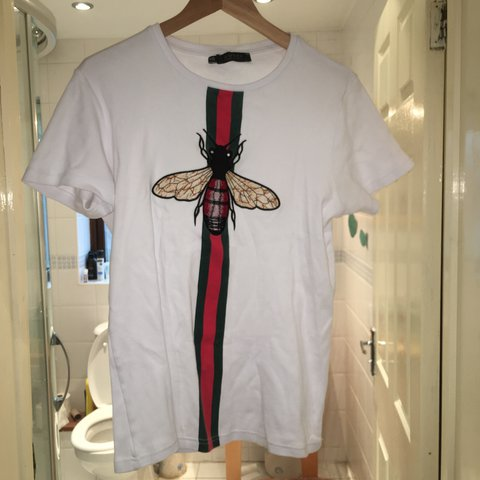 d7859cdb PRICE DROP NEED MONEY FOR CHRISTMAS Gucci stripe + fly t old - Depop