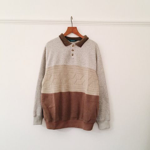 6c567dd9f Lovely vintage sweatshirt with woven textured front and up • - Depop