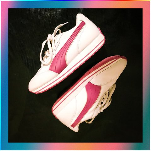 Retro Puma Sneakers Gently used adorable pumas in good to - Depop 3d4951a9b