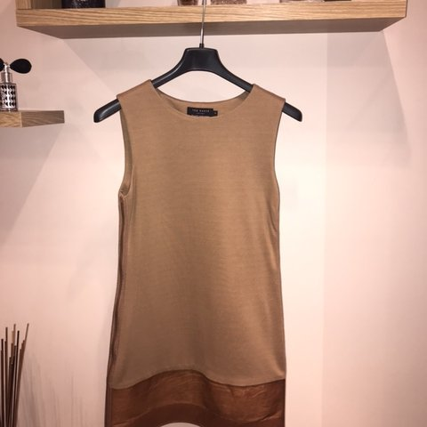 0ec1f18bf Ted Baker dress   Size 1 fits 6-8 UK Brand new condition - Depop
