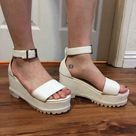 60350e528b3 ASOS white platform sandals  -) Fit a size 7 and worn only - Depop