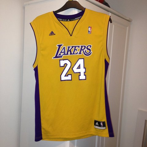 9e2d93ac101 @kieranwby. 3 years ago. United Kingdom. Unreal condition size medium LA  Lakers basket ball jersey ...