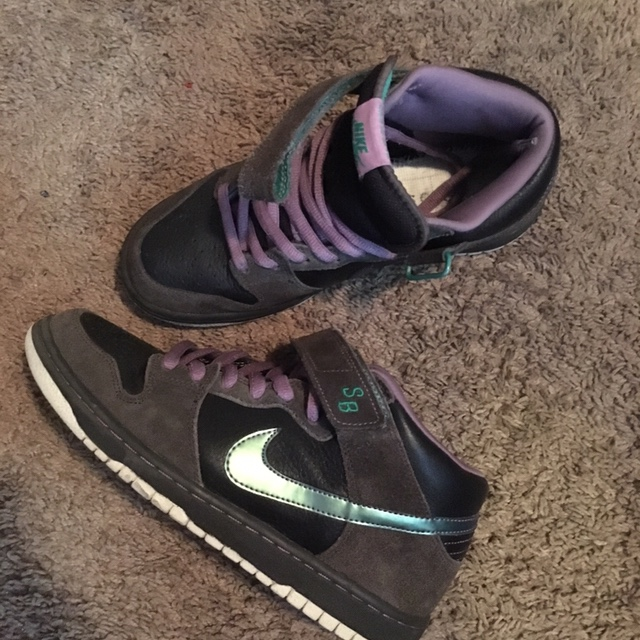 timeless design 488b8 0e440 Nike Sb Dunk Mid Northern Lights 2009 Used but in... - Depop