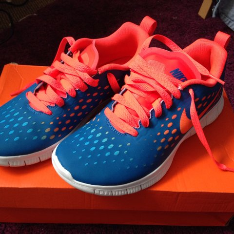 bcc520cd89d3 REDUCED!!! Size 5 Nike Free 5.0 running trainers. Great for - Depop