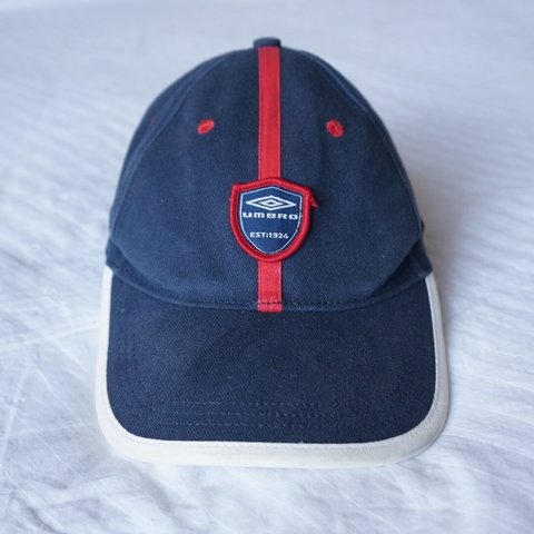 75e2878e46f5e8 Vintage Umbro cap, in very good condition barely worn, super - Depop