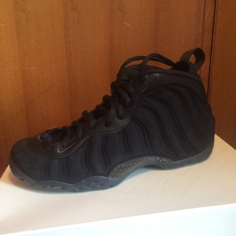 adb8bb6a0cb Nike Air Foamposite One Triple Black Suede. Mint Condition