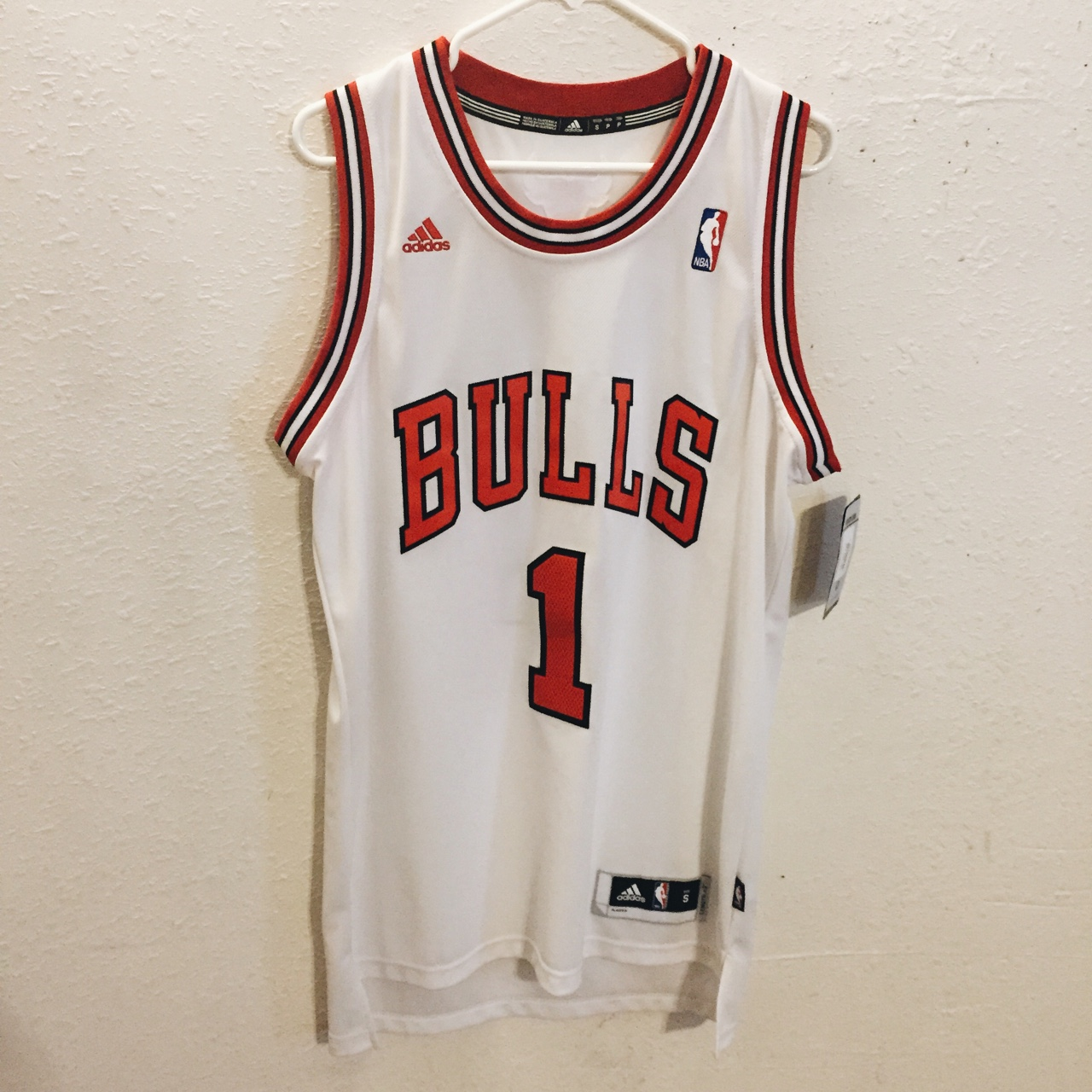 new arrival d3eaa 4fc1a Authentic swingman Derrick Rose Jersey, brand new... - Depop