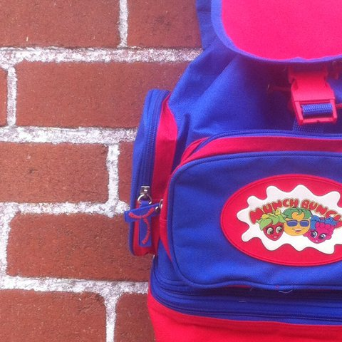 4daa8a1acee9 🌟 Retro Munch Bunch Backpack with Detachable Lunch 🌟 rare