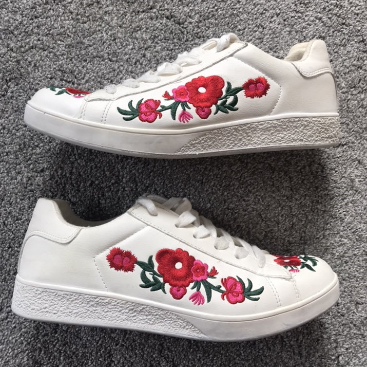 White floral flower trainers. summery