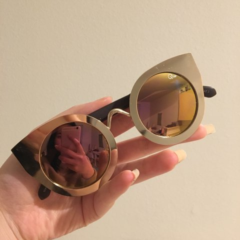 bc0a22d0c4f27 QUAY AUSTRALIA best selling sunglass TAINTED LOVE in GOLD! - Depop
