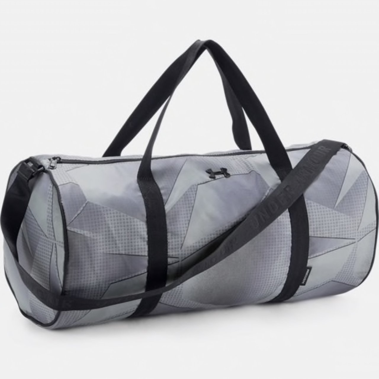 85504f6666bf Under Armour duffel bag. Great for use as a gym bag with - Depop