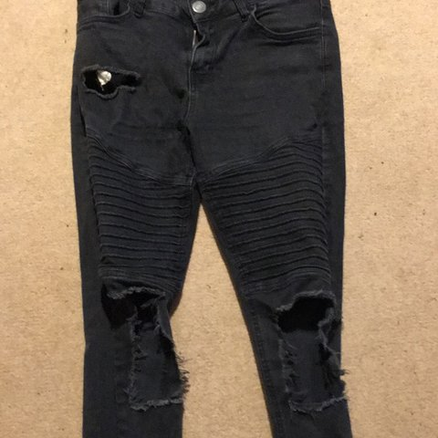 """39aed5f3f266 Boohoo spray on skinny jeans, 32"""" 32"""" Pocket ripped and was - Depop"""