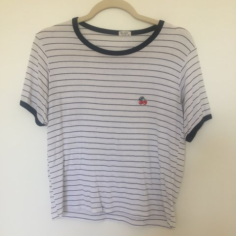 9b8f45219c 🍒 black and white striped ringer tee w an embroidered from - Depop