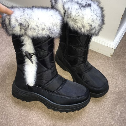 cb13565a91d1 Snow boots perfect for skiing