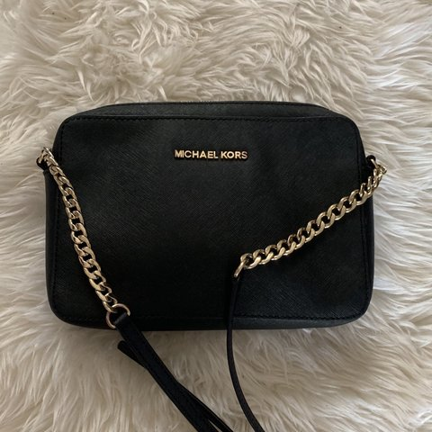 13676616b9b9 @evebxo. 14 days ago. Richmond, United Kingdom. Michael Kors saffiano  leather bag😍 Black with gold hardware