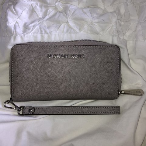 95f2b0d465af 100% genuine Michael Kors large grey zip around purse/wallet - Depop