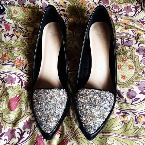 c002f4b4ff3 Glittery pointy shoes from ASOS. Black and silver. Mid heel. - Depop