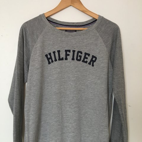 954249d7e3503 Tommy Hilfiger jumper long sleeved top • doesn t state a but - Depop