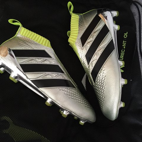 ec4f5badd2a3 @njb8. 3 years ago. Hemel Hempstead, Hertfordshire, UK. Brand new ace 16  pure control adidas laceless boots. Chrome.