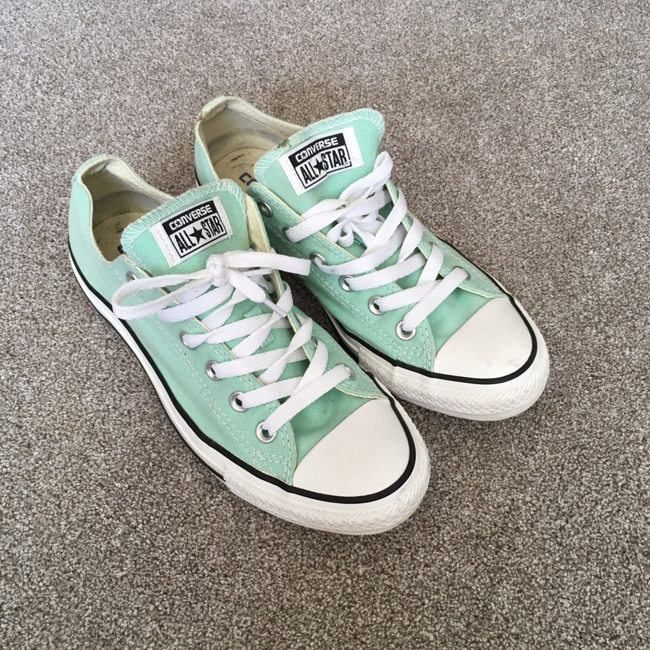 Mint green converse worn once. UK size