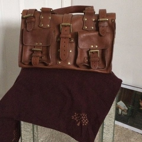 Mulberry Roxanne bag in oak leather. Fair condition. Hardly - Depop 3931c1040349c