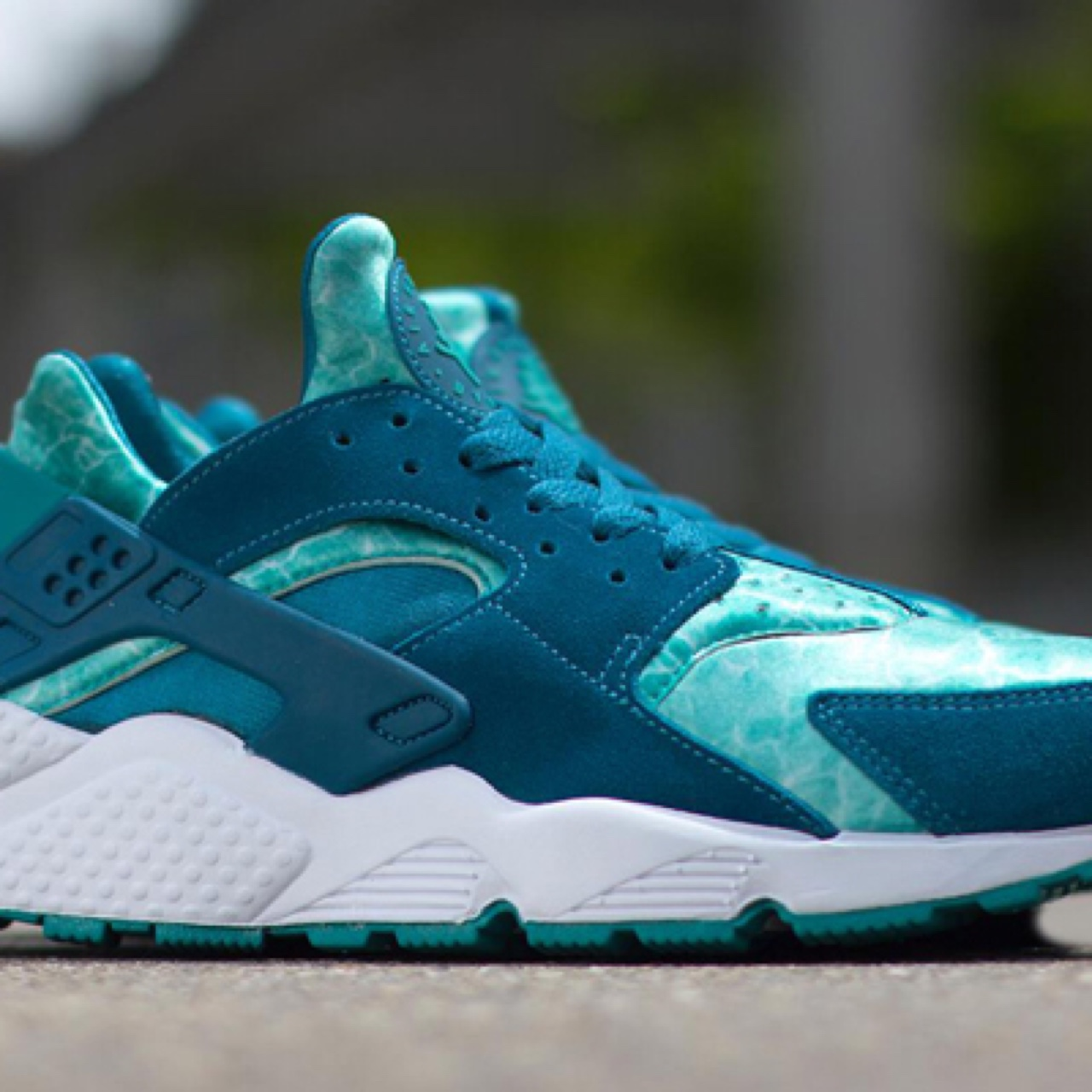 low priced 797d8 a7e5f Nike Air Huaraches, Aqua, Great condition. Size 6.... - Depop