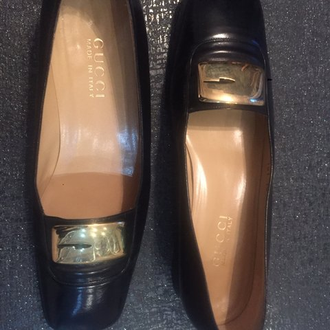 43c0d5019f2 Vintage Gucci loafers in black size 39.5. These are worn but - Depop
