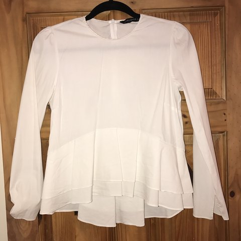 412336cbe5a White zara peplum shirt Size M Only worn once or condition - Depop