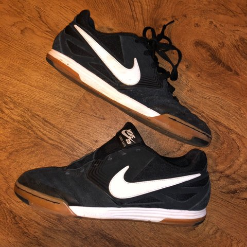 6fee72140e900 Nike Lunar Gato SB size 8.5. I d give these a 7 10 condition - Depop
