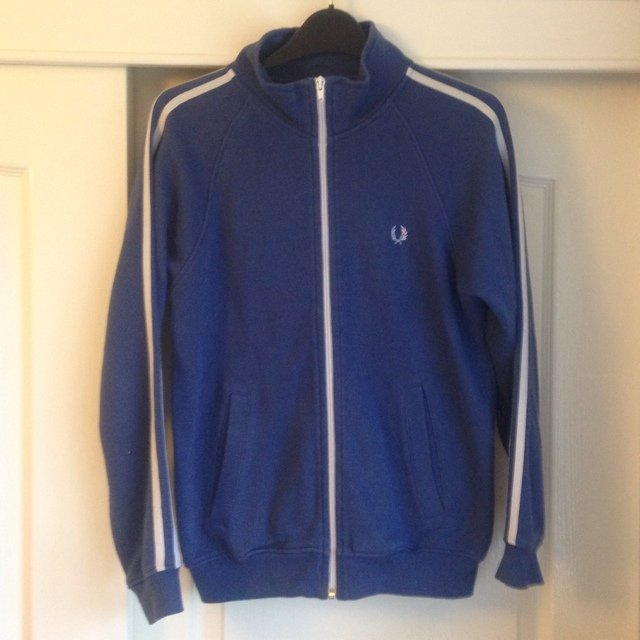 0b2785c8245 Fred Perry Zip Up Jacket - size medium   fits small - £20 - - Depop