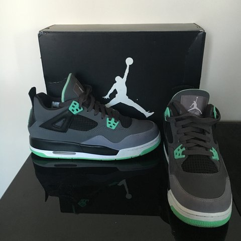 c7bf144d5205 DEAD STOCK Air Jordan flight retro green glow 4. Comes in a - Depop