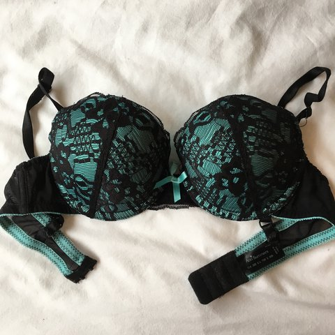 fec942d8edd48 Lovely dark green lace Anne Summers 32B bra. Pretty much - Depop
