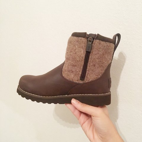 d16644288 @kaishc. 2 years ago. United Kingdom. Kids boys brown k bayson boot from ugg .