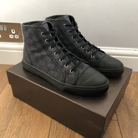 b30d9edcb257 Black canvas   leather Gucci sneakers. Uk size 6