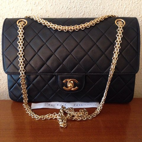 3e46c770433f THIS BAG HAS BEEN SOLD IN OTHER WEBSITE......Chanel Vintage - Depop