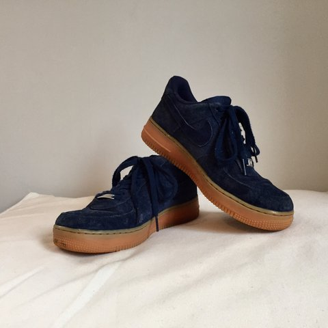 the best attitude 65c1e 0e707  belladalton. 2 years ago. Gloucestershire, United Kingdom. Nike Air Force  1 Low Suede – Midnight Navy ...
