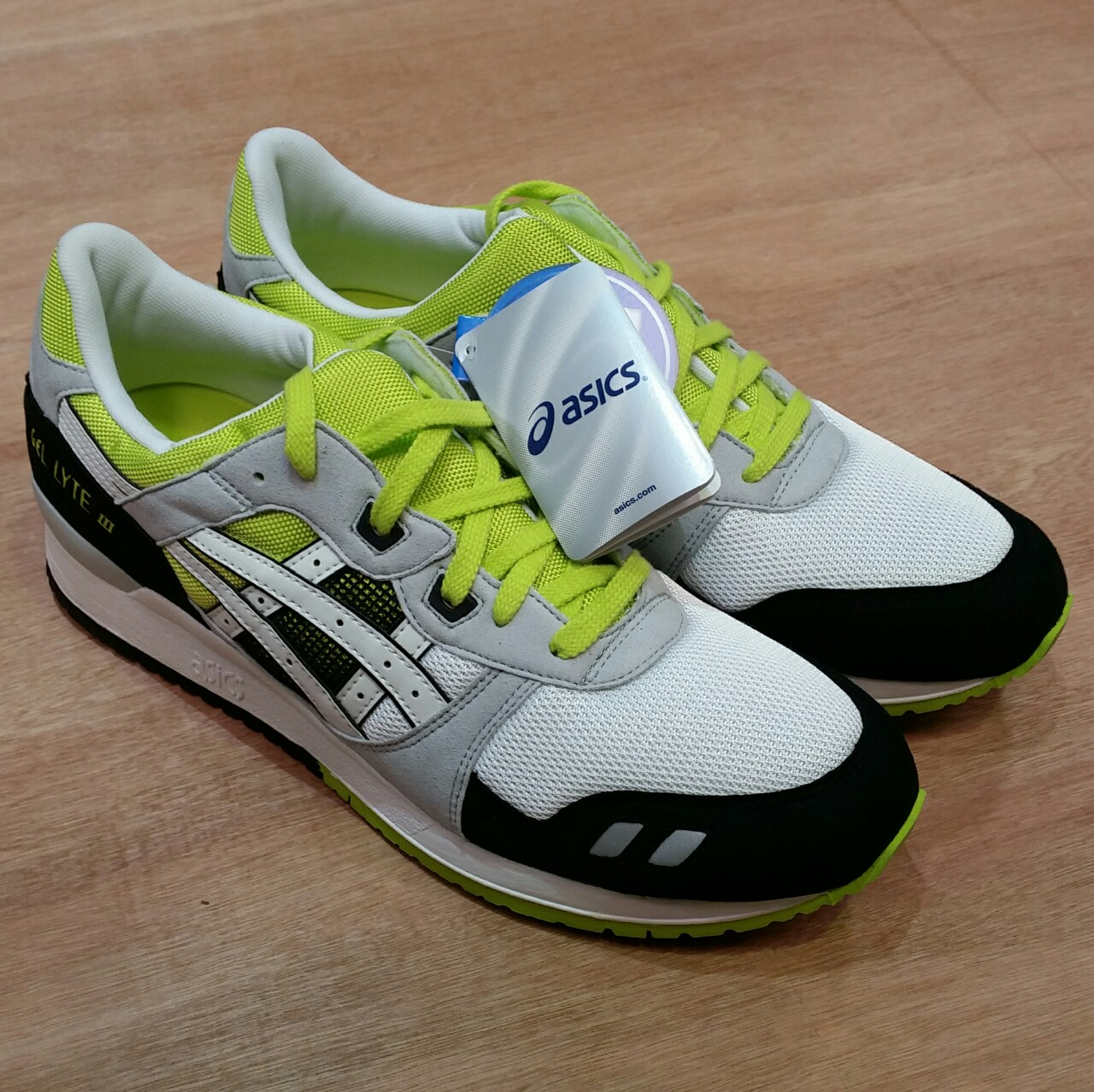 official photos 08596 7e7cc New in box Asics Gel Lyte III green / white / Black... - Depop