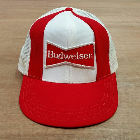65fcd887 @lockdownvintage. 2 years ago. Sleaford NG34, UK. Vintage 90s Budweiser  trucker / mesh snapback baseball cap. One size fits all