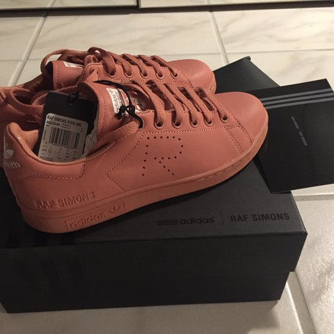 detailed look be002 c6a5e Listed on Depop by realtaylot_
