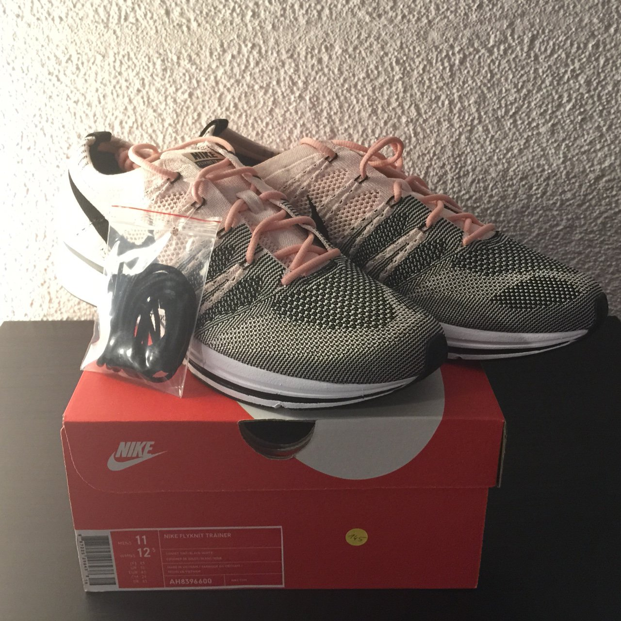 a19e930fcc9c nike flyknit trainer sunset tint ds brand new never og all - Depop