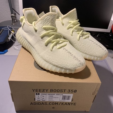 8423a48792162 adidas yeezy boos 350 v2 butter DS brand new never worn with - Depop