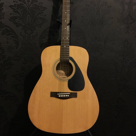 984880a3a87 Yamaha F310 Acoustic Guitar (Full Size 41 inches), wooden be - Depop