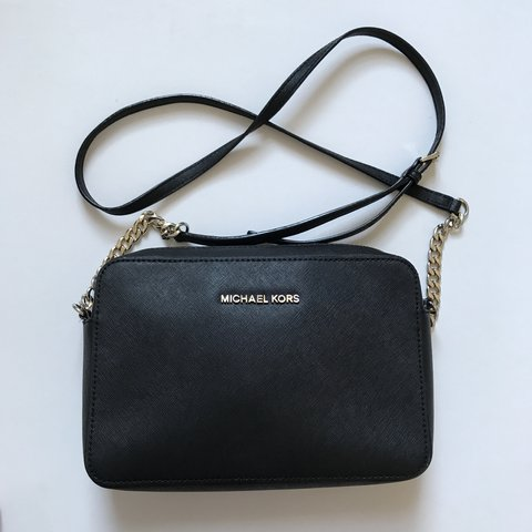 069d4cd0a0d3 MK Michael kors jet set travel large saffiano crossbody bag - Depop