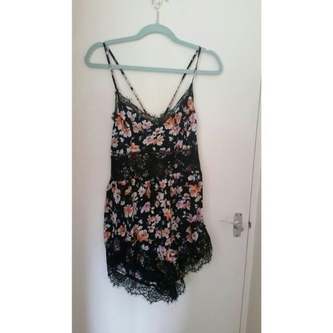 9512459054ed9 Size 12 missguided floral and lace playsuit! Only worn once - Depop