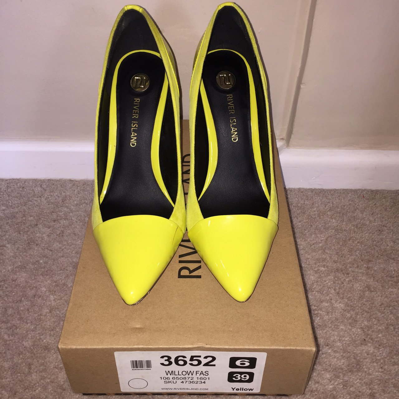 85dc3d338f8 River Island yellow stilettos worn only a handful of times 6 - Depop