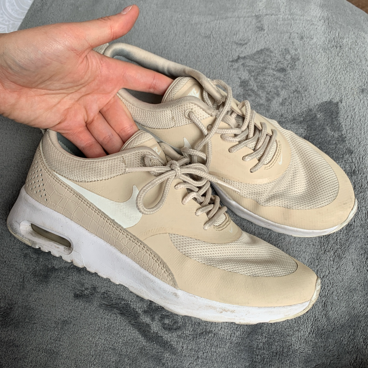 Nike air max Thea size 4 beige/nude