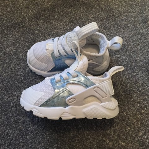 d04355a1f3967 Baby Nike Huarache trainers excellent condition worn a few a - Depop