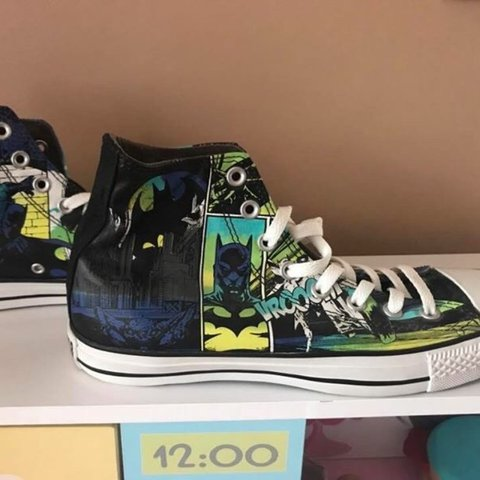 5ad67d2d030637 Batman Marvel Converse Size 8 Mens marvel converse never no - Depop